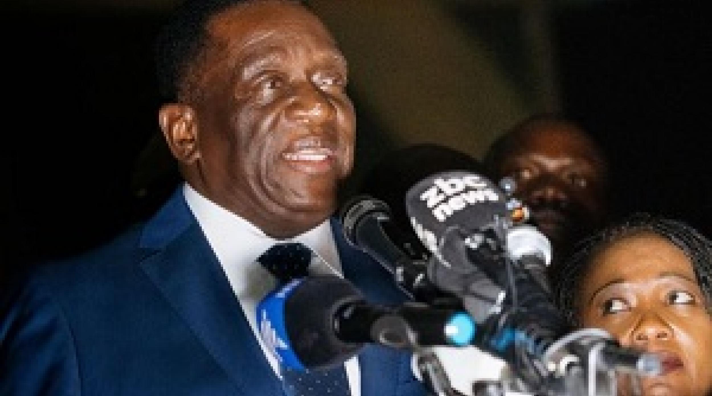 NEWS: አዲሱ የዚምባብዌ መሪ ዴሞከራሲን ለማስፈን ሥራ ለመፍጠር ቃል ገቡ - Zimbabwe's Mnangagwa Promises Jobs in 'New Democracy'