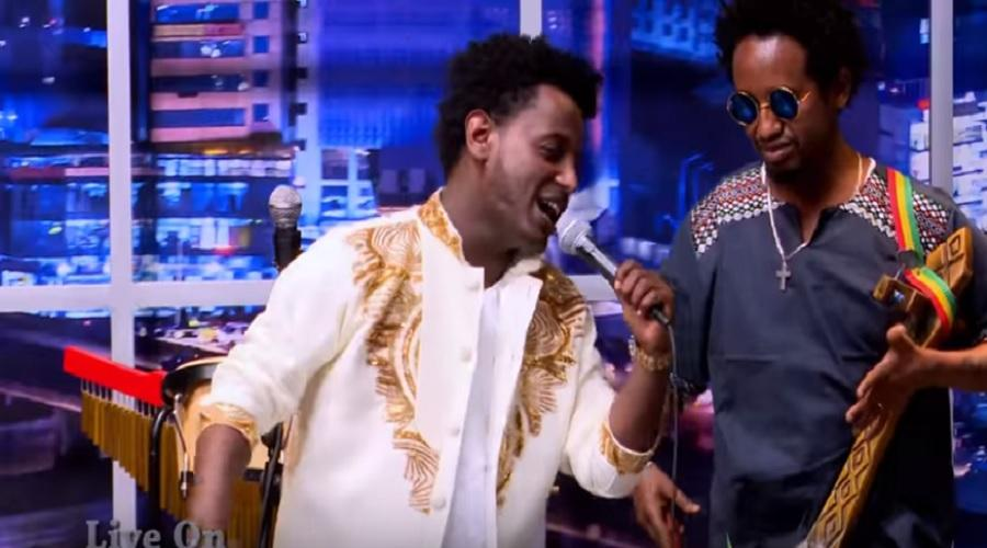 Seifu Fantahun: Singer Esubalew Yetayew(የሺ) Performing on Stage on Seifu Show
