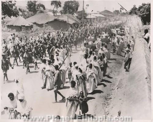 ProudEthiopiantroopsmarchoutofHarartofighttheItalianinvadersIN1935sourceEmnetT..jpg