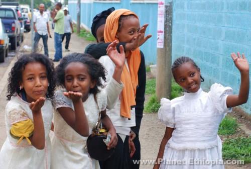 CheeringEthiopianKidsinAddisAbeba1.jpg