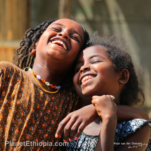 HappysmilingEthiopiangirls0.jpg