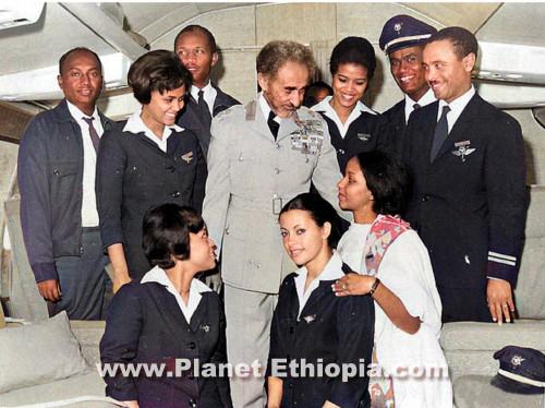 Haileselassie-with-Ethiopian-Airlines-flight-crew.jpg